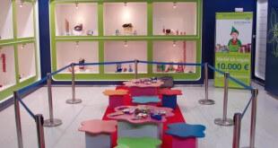 Paquetería creativa para los niños en centro comercial
