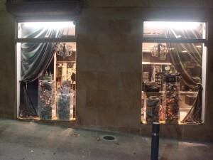 escaparate de Navidad en peluquería Estudio Cero, Soria