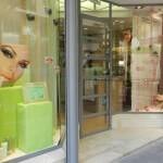 Escaparate cosméticos; escaparatistas Animación Puntos de Venta