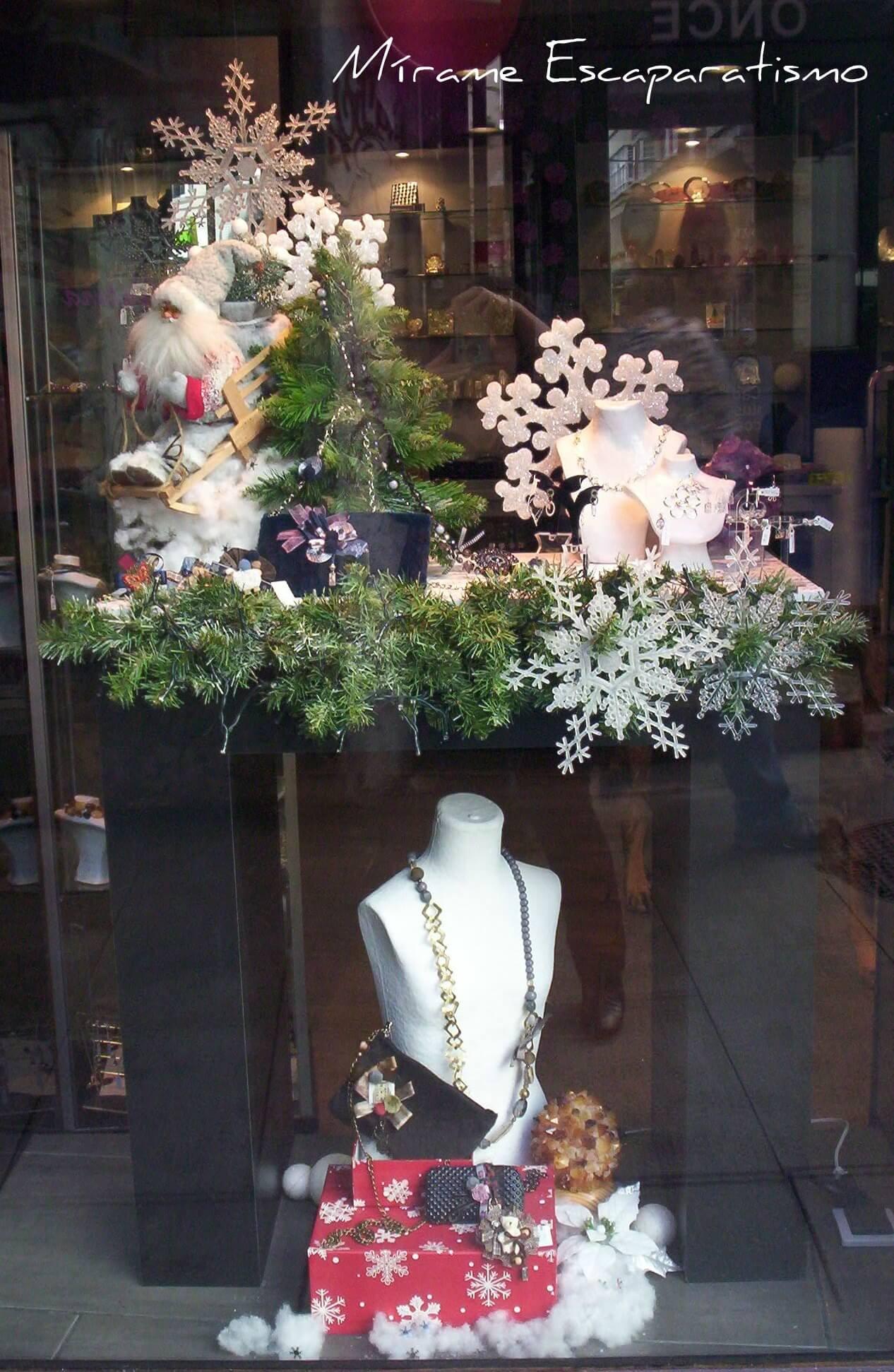 Escaparate navide o joyeria en plata regalo - Adornos de navidad para escaparates ...