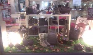 Escaparate de Otoño 2011 en la tienda de complementos Caja de Plata