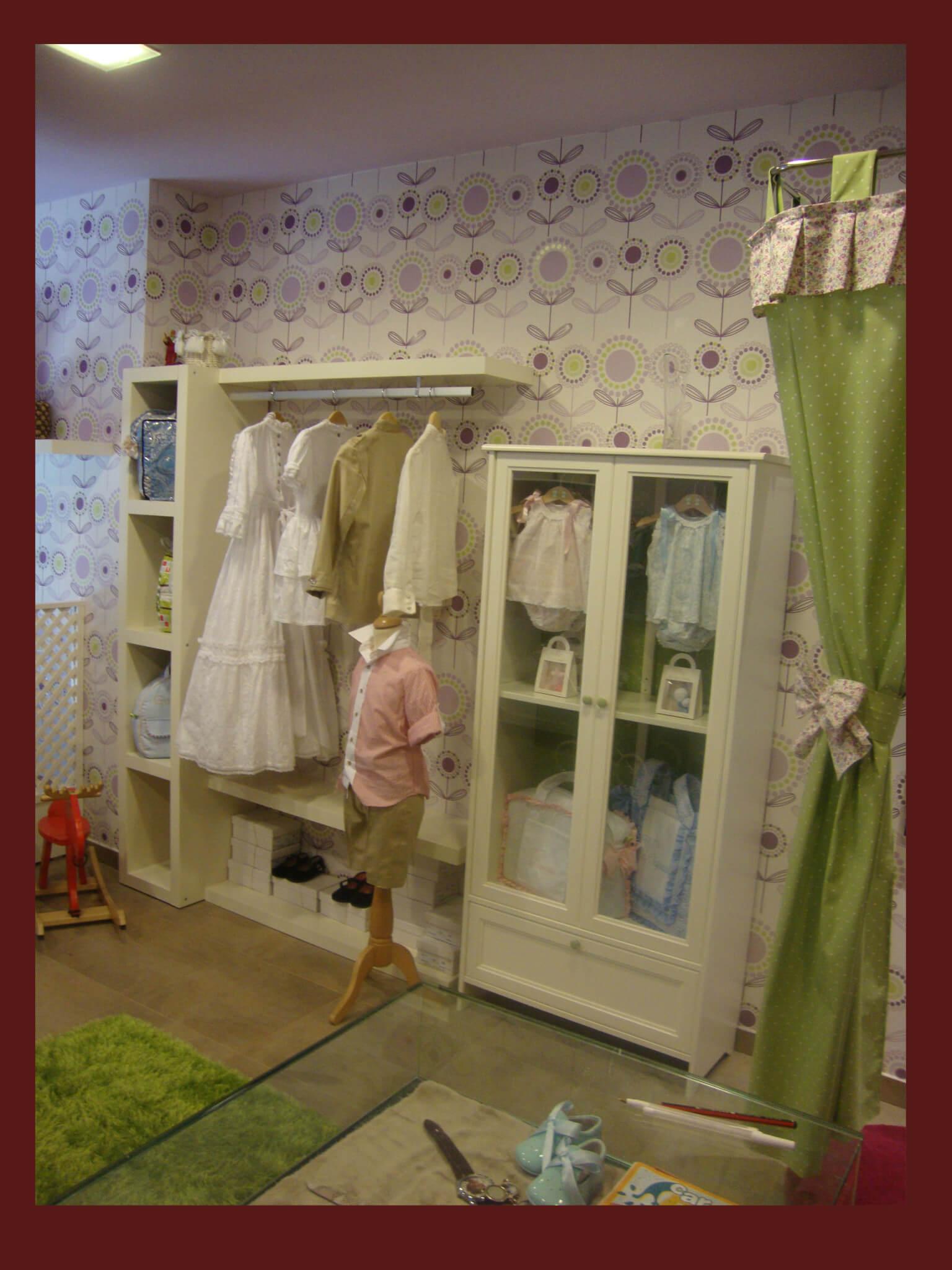 Re decoraci n de badum badero tiendas de ropa y moda for Decoracion para comercios