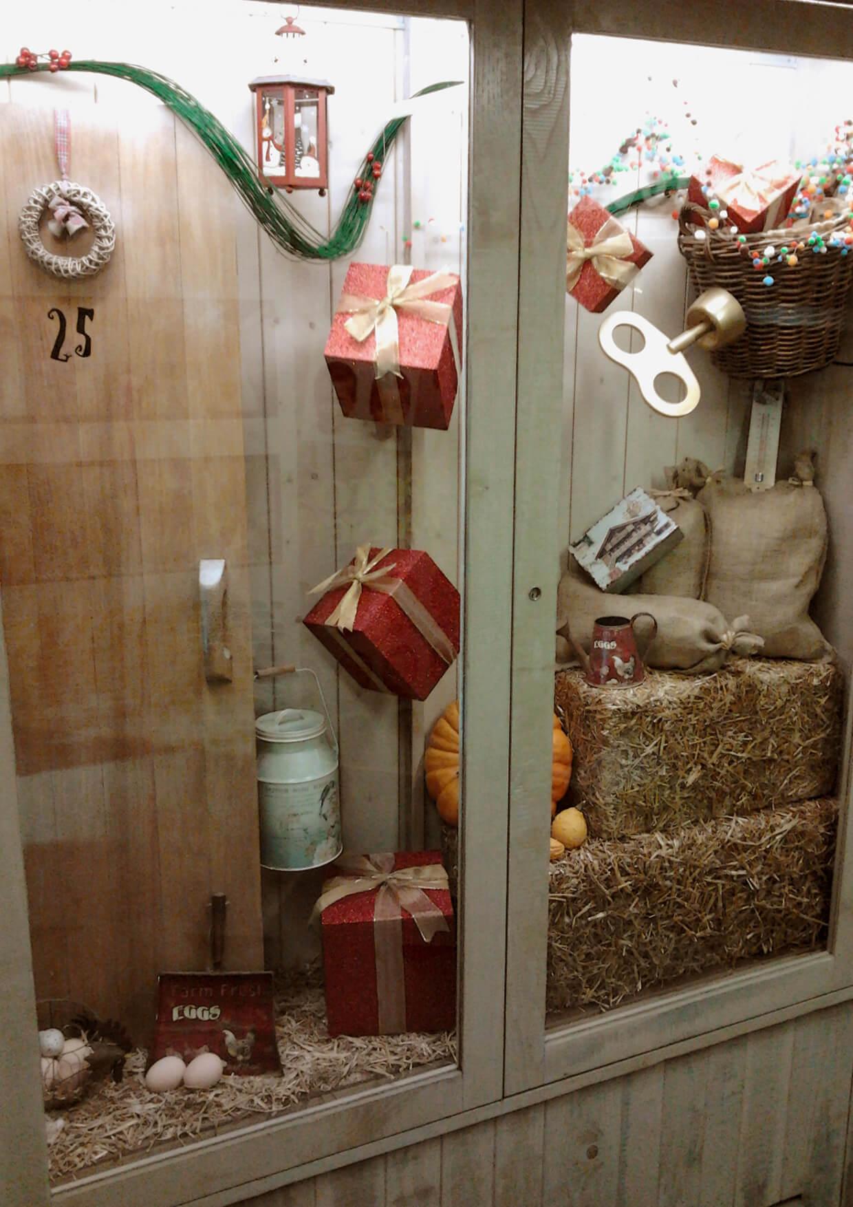 Escaparate de navidad aranesa escaparates de navidad - Adornos de navidad para escaparates ...
