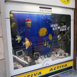 Escaparate verano '13 electrodomésticos ACTIVA por Miquel Pizarro, foto LAT-IZQ