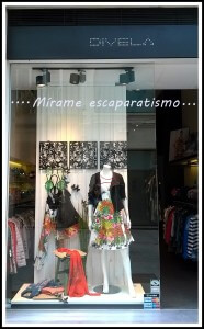 Escaparate primavera-verano 2015 en DIVELA, moda mujer en Lugo, imagen 1