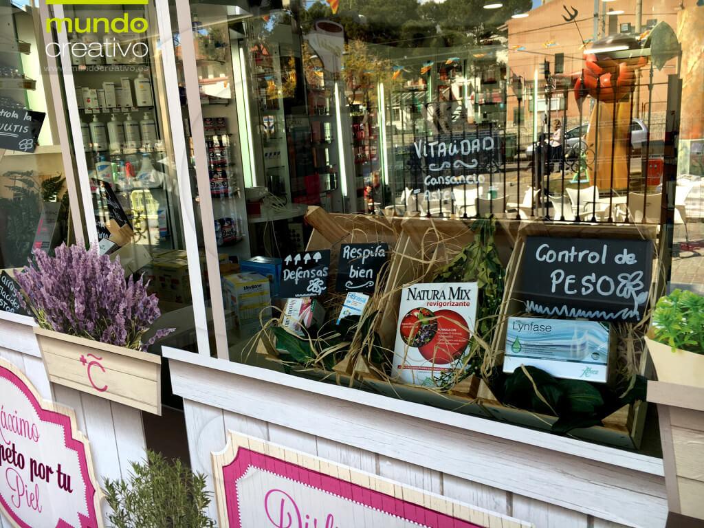 Escaparate cuidados naturales en Farmacia La Cañada, imagen 2