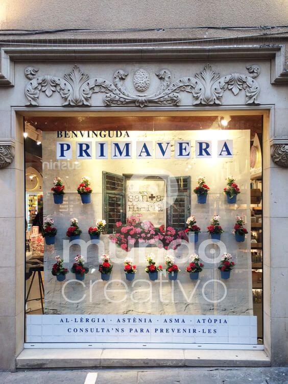 Escaparate de Farmacia con flores, es Primavera Mundo Creativo, foto 1