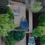 Flores verdes en papel de seda, idea para escaparates de primavera, imagen 3