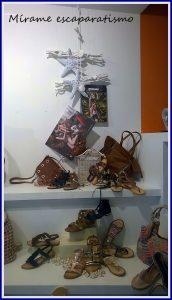 Escaparates de verano en zapatería multimarca de A Coruña; Mírame escaparatismo, foto 2