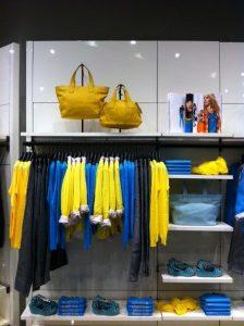 estrategias de visual merchandising, combinación de modelos y colores, foto 3